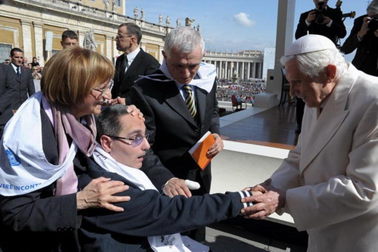 Il 7 marzo 2012 Roma. Massimiliano Tresoldi è stato a Roma con il Club L'Inguaribile Voglia di Vivere, e ha avuto l'occasione di incontrare personalmente il Santo Padre e di ricevere la Sua benedizione particolare