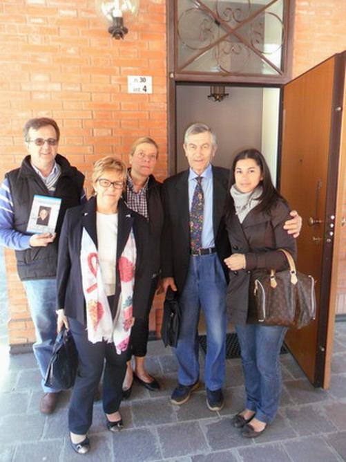 17 maggio 2012. Bologna -Il futuro alloggio di Cristina a Villa Pallavicini. Nella foto, da sinistra, Enrico Vigano' autore del libro ''Il sorriso di Moira'' , Paola Malavolti, Faustino Quaresmini, padre di Moira, e Fulvia, una delle assistenti sociali del centro.