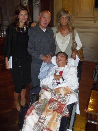 Presentazione del libro alla Carisbo di Bologna il 24 settembre 2010: Chiara Cargiolli, amica di famiglia dei Magrini, ex volontaria di Sarzana, Tina Cabani volontaria di Massa, con Romano Magrini e Cristina.