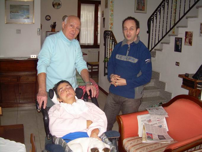 In casa a Sarzana, La Spezia, 21 luglio 2010: Edoardo Basciani, papà di Davide, un ragazzo cerebroleso, in visita a Romano e Cristina.