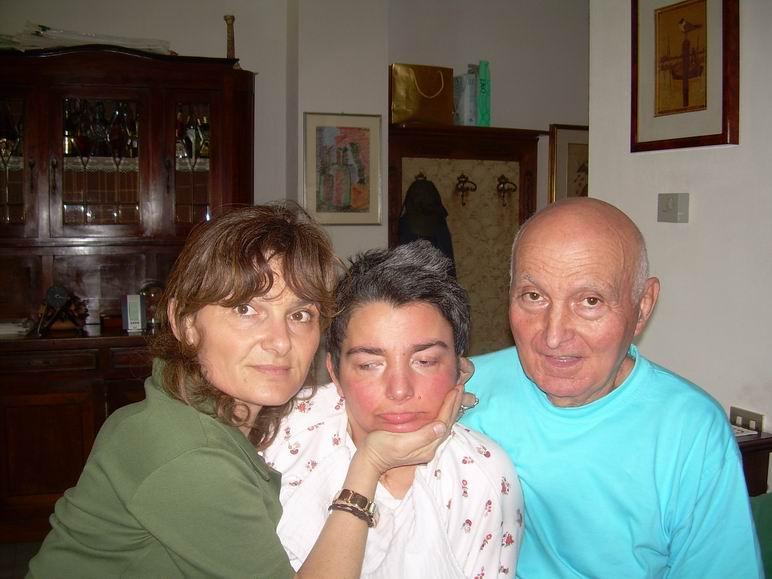In casa a Sarzana, La Spezia, 21 luglio 2010: Francesca Golfarelli Berardi, Cristina e Romano Magrini.