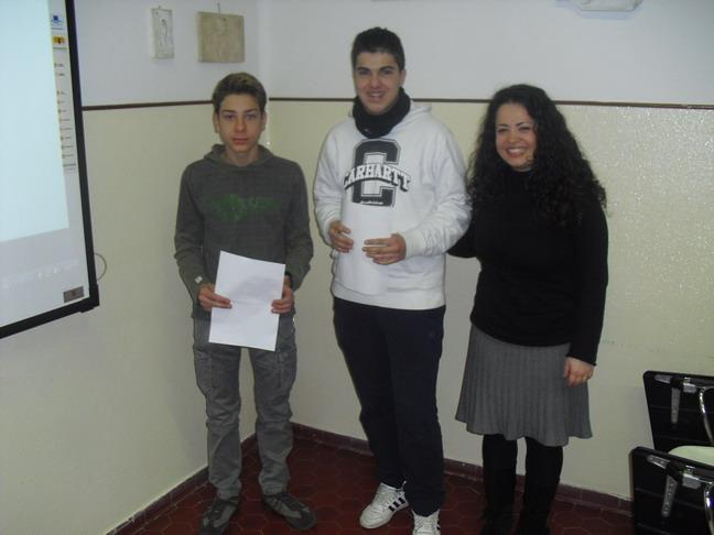 28 febbraio 2011-Stefano Bianchi e Enrico Arcaini,due studenti della II liceo scientifico,la professoressa di lettere Maria Rosaria Mediatore.