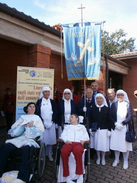 4 ottobre 2012 - Consegna ufficiale di Casa Cristina - Cri con Barbara Ferrari, sfaff Unitalsi e il presidente Paolo Palmerini.