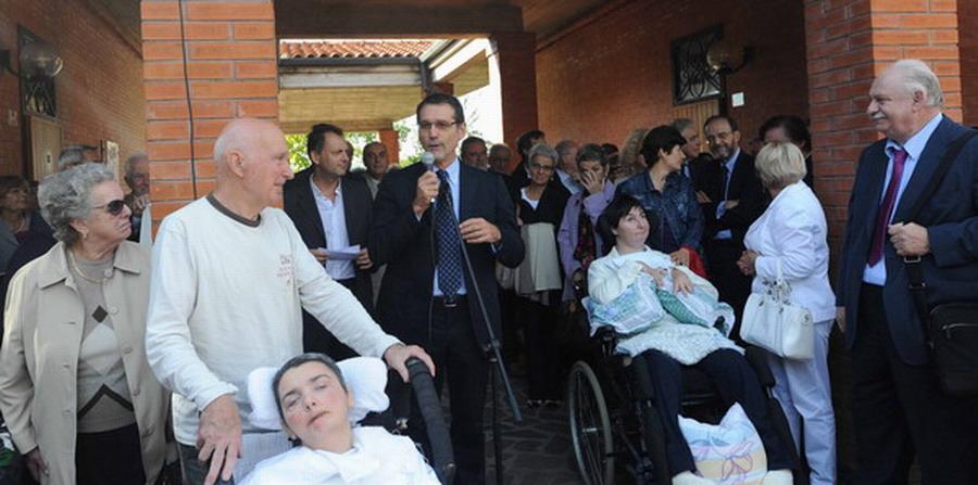 4-ottobre 2012 - consegna ufficiale di Casa Cristina con la partecipazione del sindaco di Bologna Virgilio Merola