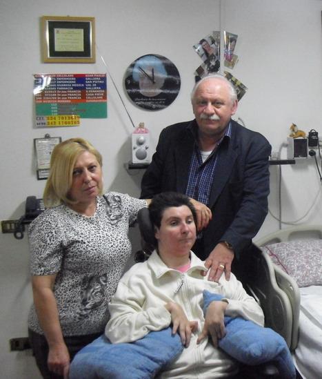 La nostra nuova amica Barbara in stato vegetativo dal 1998 : Arianna Vallese e Giampaolo Ferrari, in casa, con Barbara