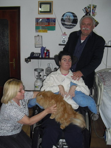 La nostra nuova amica Barbara in stato vegetativo dal 1998 : La famiglia con il gatto Richard