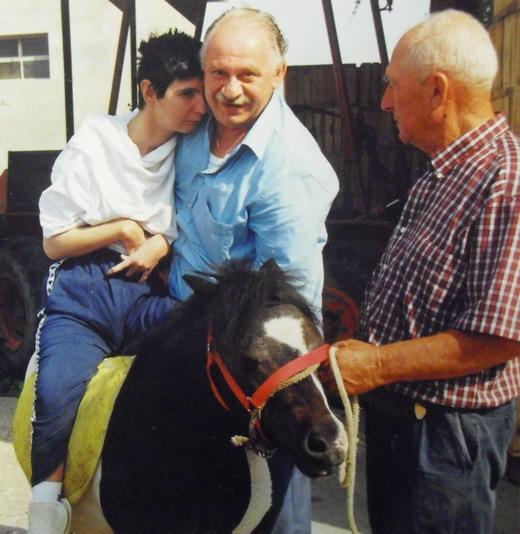 La nostra nuova amica Barbara in stato vegetativo dal 1998 : Barbara in recente uscita per ippoterapia, naturalmente con papà Giampaolo