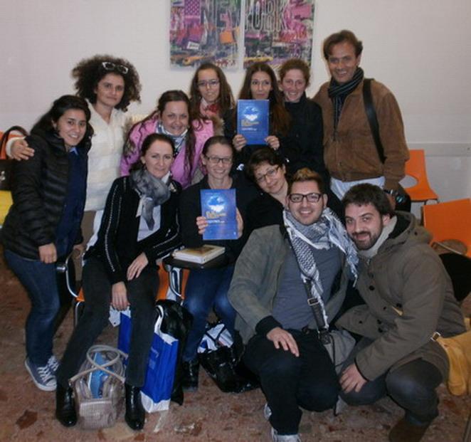 30 ottobre 2012 Un gruppo operatori socio sanitari della scuola che interverranno su Cristina per la mobilizzazione