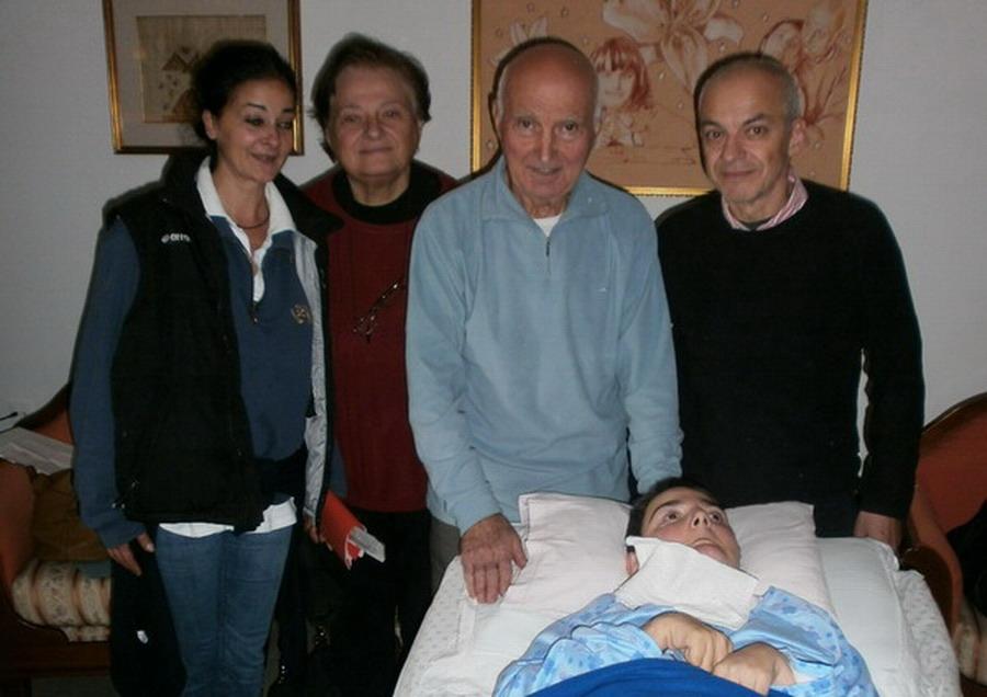 25 ottobre 2012 Villa Pallavicini, Bologna. Cristina a casa. Sulla destra il medico di base che la seguirà il dott. Guido Bagalà