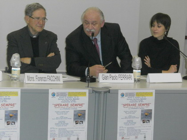 22 novembre 2012 Presentazione libro 'Sperare Sempre'. Nella immagine Mons. Fiorenzo Facchini, Giampaolo babbo di Barbara e Giulia Alberti autrice del volume.