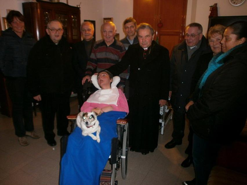 5 gennaio 2013, visita dell'Arcivescovo di Bologna Carlo Caffarra alla famiglia Magrini in occasione del 47 compleanno di Cristina.