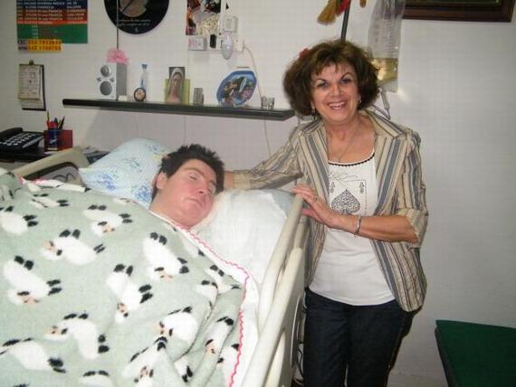 9 settembre 2011. Il sindaco di Galliera fa gesto concreto e rivede l'assistenza per Barbara. Nella foto il sindaco Teresa Vergnana e Barbara