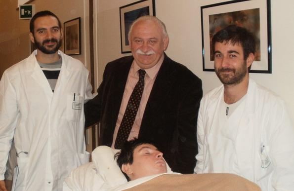 20 ottobre 2011-Giampaolo e Barbara Ferrari, con due medici, all'ospedale Bellaria per una visita di routine, la revisione di una pompa per la somministrazione di un medicinale antispastico. Una pratica che Barbara affronta ogni 6 mesi.