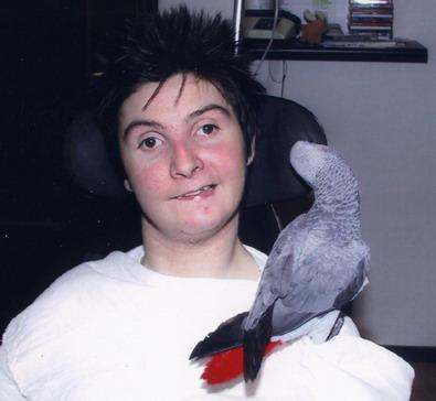 Ottobre 2011. Pet terapy di Barbara con un pappagallo addestrato opportunamente.