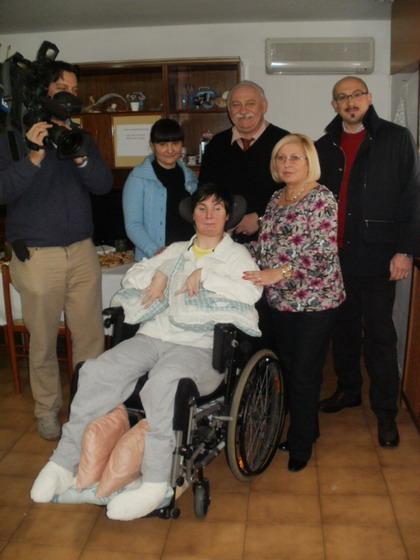 26 novembre 2011 a Galliera, casa di Barbara Ferrari: la troupe di Rai 3 con il giornalista Manlio Mezzotesta