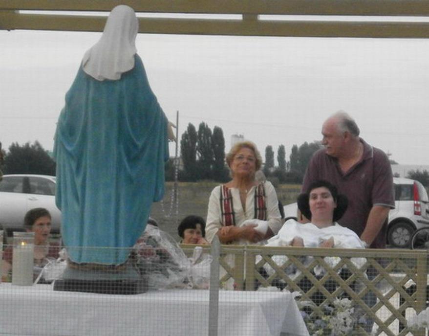8 settembre 2013. Barbara e Gianpaolo a Poggio Renatico al momento di preghiera a casa di Giuliana.