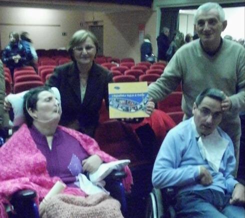 4 dicembre 2011a NOVA MILANESE, presentazione del libro 'IL SORRISO DI MOIRA'.Tra gli ospiti massimiliano Tresoldi con i genitori.