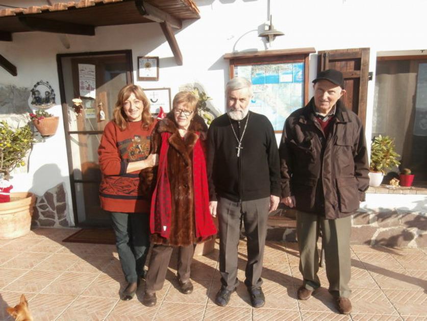 12 dic 2013 - Sarzana. Paola Malavolti e Romano Magrini alla fattoria di Padre Beppino