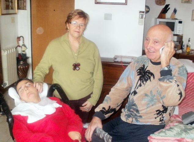 5 gennaio 2012, Sarzana - Paola e Romano ricevono gli auguri per il 46° Compleanno di Cristina .