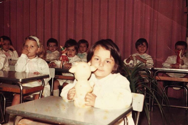 1972 Cristina a 6 anni il primo giorno di scuola