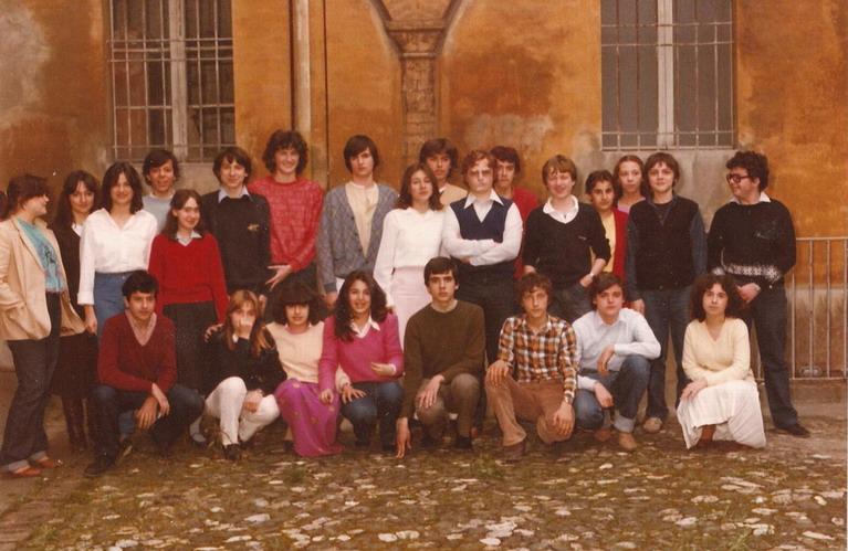 1981 Cristina a 15 anni con i compagni di scuola