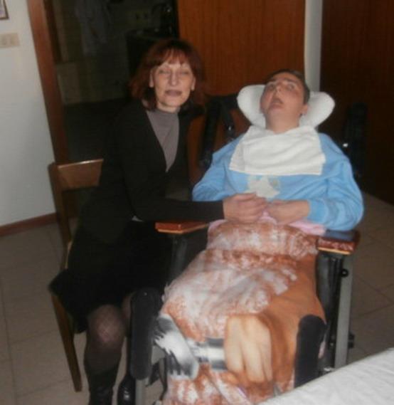 Gennaio 2015 - Scatti di vita in casa Magrini. Cristina e Teresa Speltri, la signora che la assiste al pomeriggio.