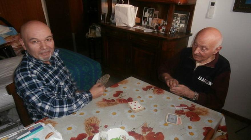 Gennaio 2015 - Scatti di vita in casa Magrini. Romano e Renato, un amico prezioso, in un momento di relax.